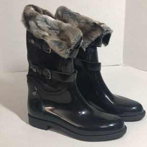 Sale 🔥 Stuart Weitzman Snowflake boot in black